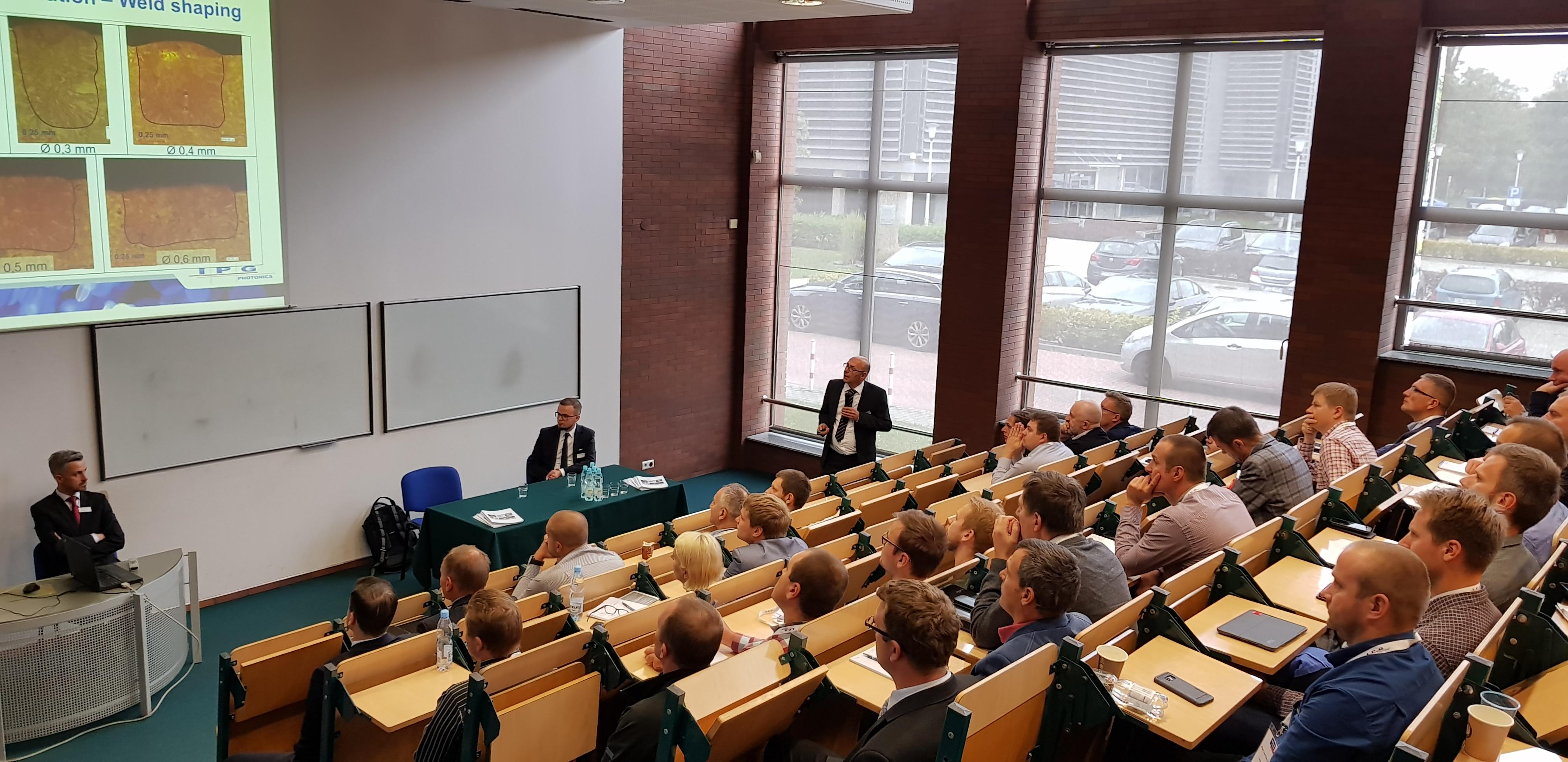 konferecja, Technologia laserów włóknowych